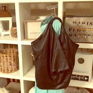 LUTE black pebbled leather XL shoulder bag purse